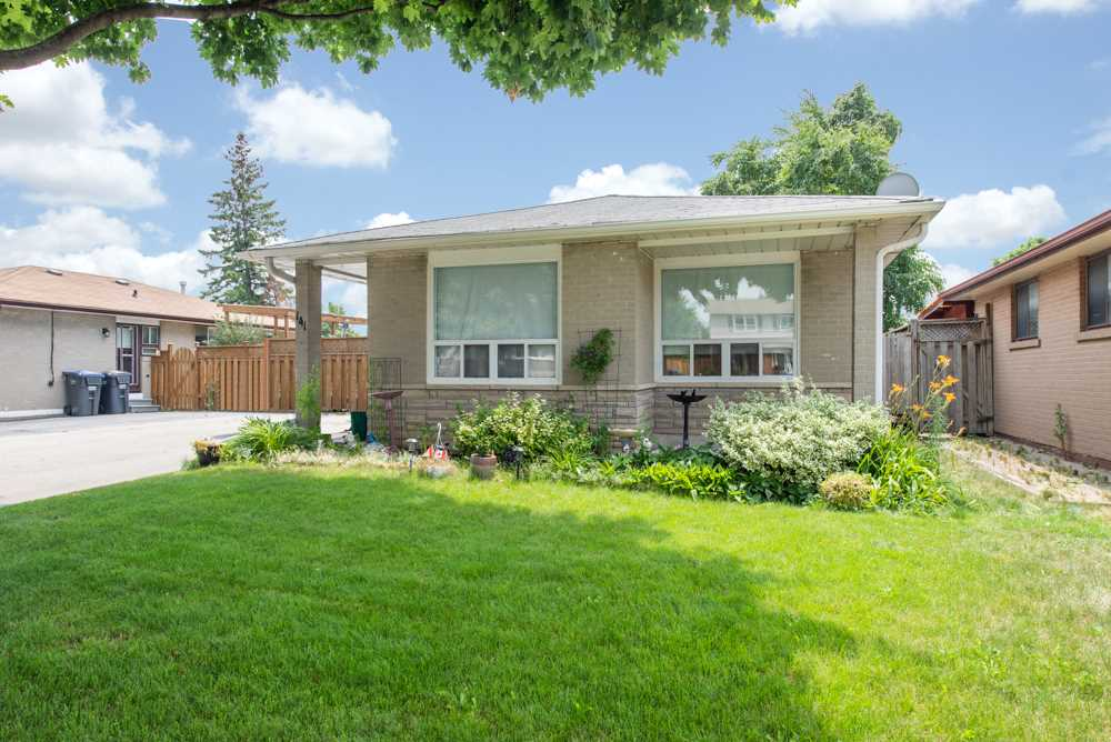 **SOLD** 141 Rutherford Rd. N Brampton EXCLUSIVE Real Estate Listing